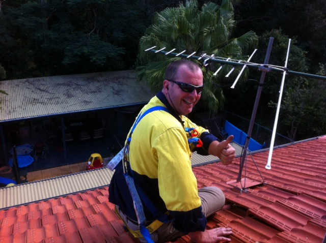 electricians-working-safely-at-heights